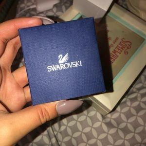 Swarovski necklace never worn